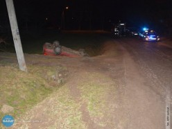 17-latek za kierownicą, auto dachowało