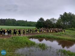 Strażacy pomagają przy powodzi