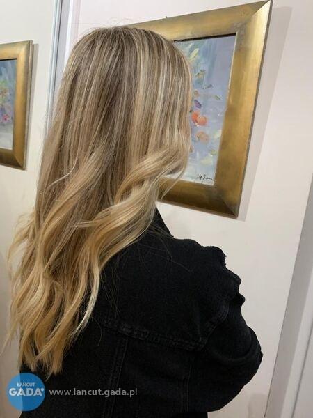 Mobilny fryzjer-nowa fryzura bez wychodzenia z domu