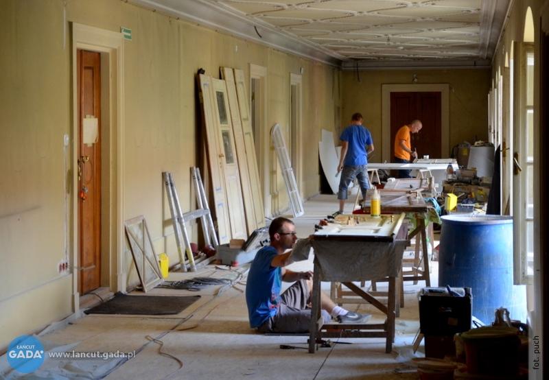 Remont wzamku: zabytkowe apartamenty odzyskują świetność sprzed lat