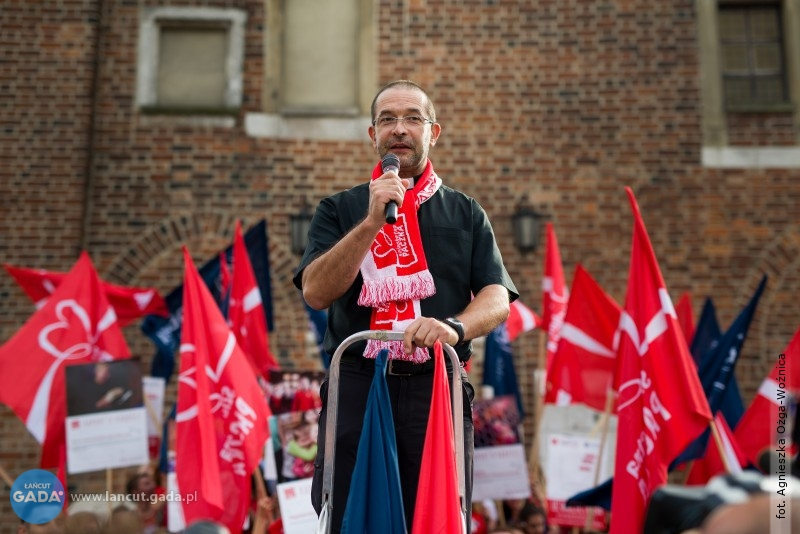 Ks. Jacek WIOSNA Stryczek: Wolontariat nie polega na poświęcaniu się