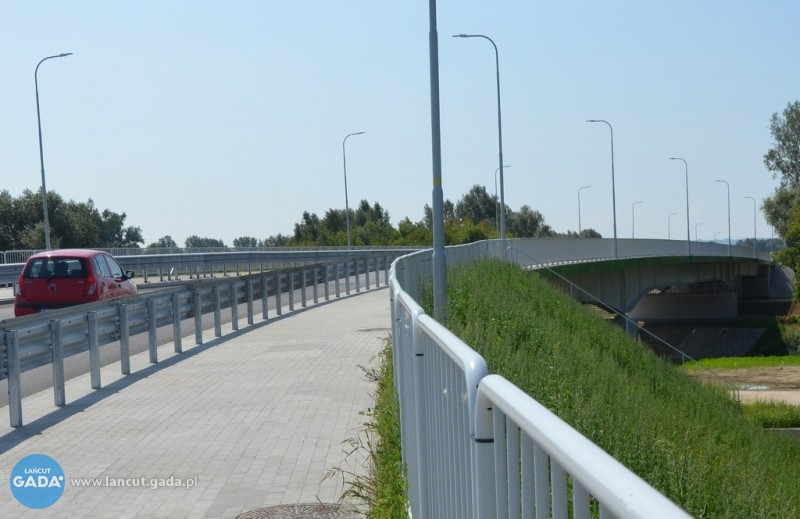 Most wCzarnej na ukończeniu