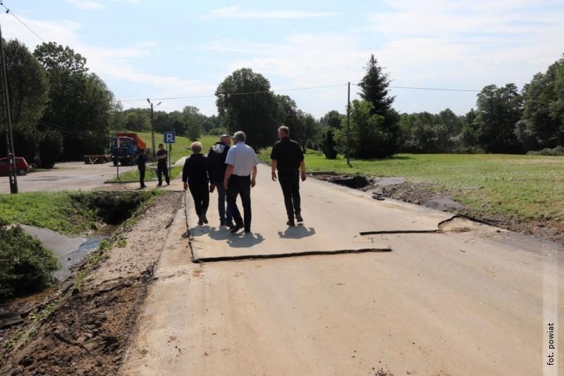 Powiat zabiega ośrodki na odbudowe dróg