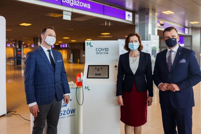 Covid Detector na lotnisku wJasionce
